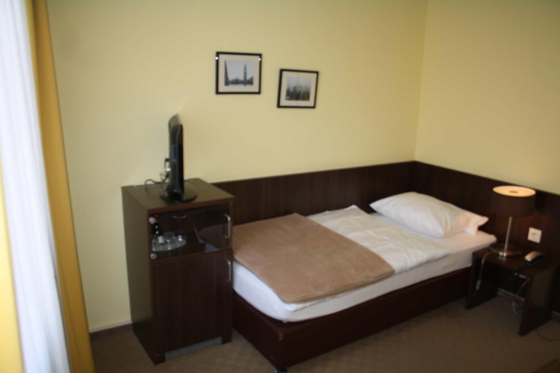 Hotel Mercedes Bonn Zimmer